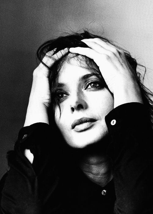 Isabella Rossellini, New York, 1997. Photographed by Irving Penn.