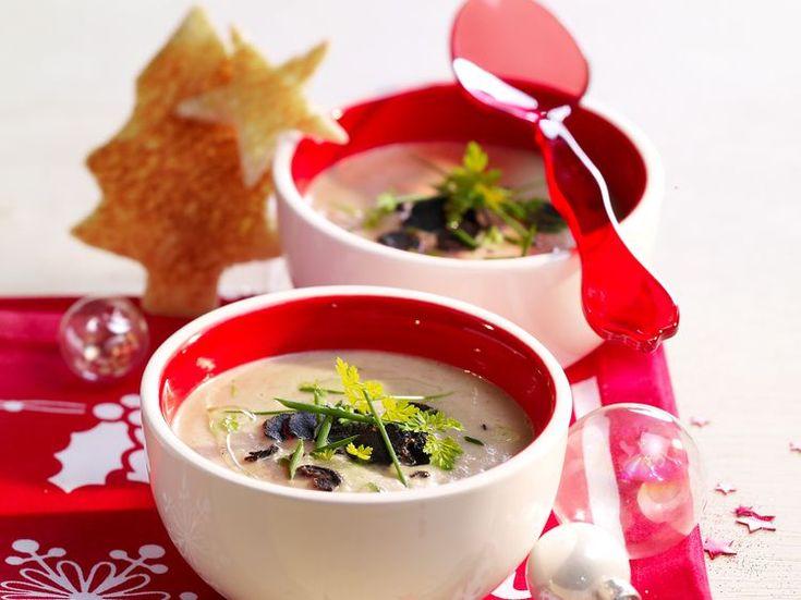 Découvrez la recette Velouté de topinambours à la truffe sur cuisineactuelle.fr.
