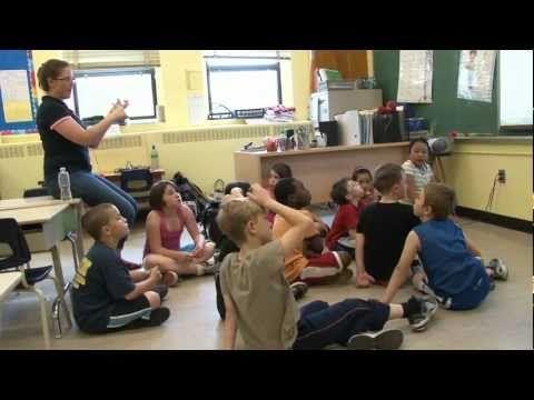 Démarche pédagogique de 3 enseignantes du Québec quant à l'intégration du tableau interactif (TBI) en classe.