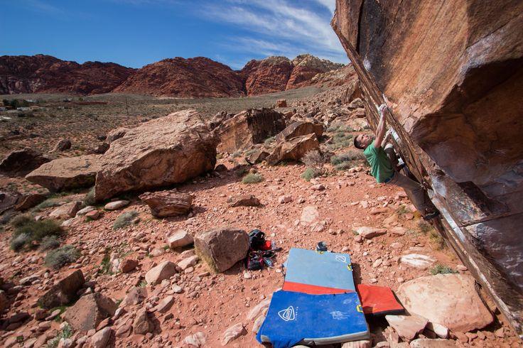 Asana Climbing Ambassador Mike Bowsher in Red Rocks, Nevada on Angel Dyno!