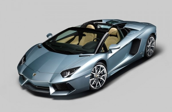 2013 Lamborghini Aventador LP 700-4 Roadster, which should be taken into account in the future, the Lamborghini Aventador LP 700-4 Roadster 2013 is considered one of the engines of production of the most exciting series ever built by Lamborghini. Roadster is the convertible version of the 2013 Lamborghini Aventador LP 700-4 Roadster is easily recognizable from a simple stand-alone LCD display that controls stereo and navigation system works well.