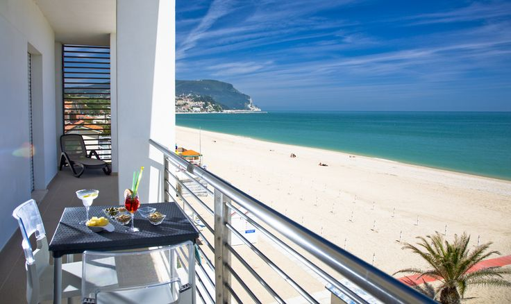 *Un rilassante drink nel nostro residence a Numana. Hai visto che belle offerte? Segui il link sottostante! * A relaxing drink in our apartment in Numana. Did you see that nice offers? Follow the link below! http://www.ilconero-mare.it/it/offerte-residence-marche.html  #Numana #Conero