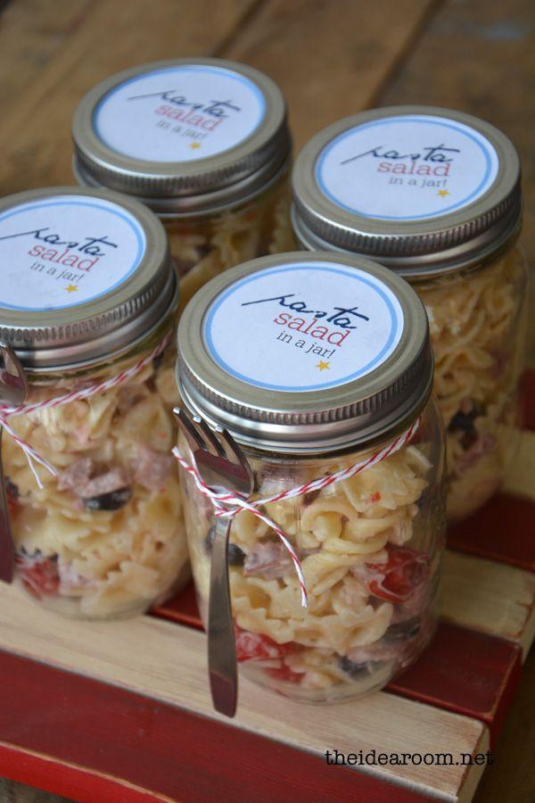 Pasta salad recipe - love the mason jar! Recipe & idea via @Amy Huntley (TheIdeaRoom.net) #pasta #masonjar