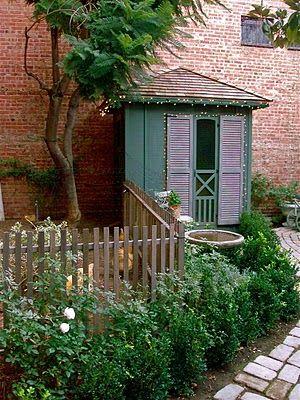 urban chicken coop: Doors, Backyard Chicken, Little Houses, Homesteads Revival, Chicken Coops, Picket Fence, Chicken Running, Urban Chickens, Gardens Sheds