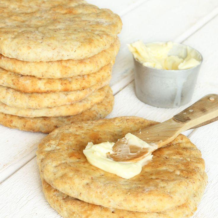 Supergoda, mjuka och härliga tekakor med fiberrikt grahamsmjöl i degen. De behöver inte jäsa och går fort att göra!