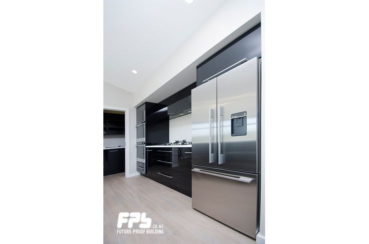 Kitchen featuring ActiveSmart™ Fridge from Fisher & Paykel.