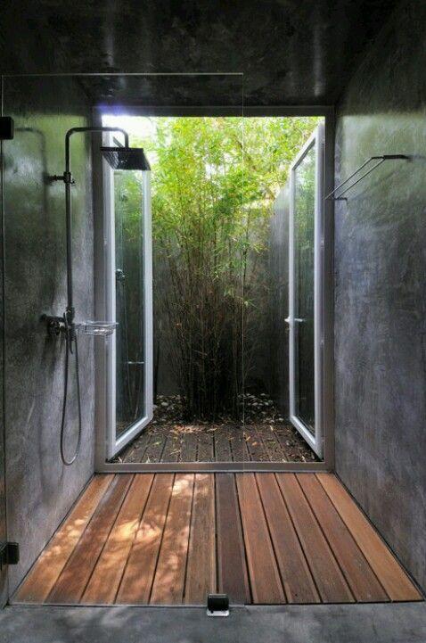 Super Idee fürs Erdgeschoss - vom Garten direkt in die Dusche