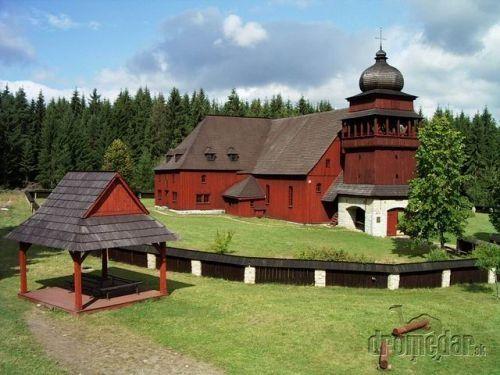 VÝLET Drevený kostol Svätý Kríž | Dromedár.sk