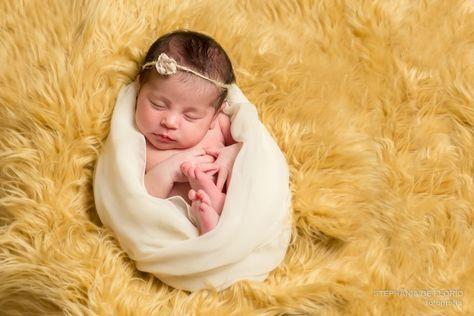 Newborn photography baby girl www.stephaniadeflorio.com stephaniadeflorio@hotmail.com