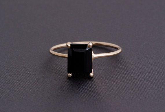 Taglio smeraldo anello di onice nero, anello in filo cestino oro giallo 14k
