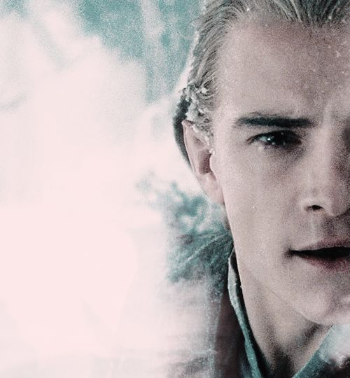 Legolas...SO FRIGGIN HOT. EVEN IN THE SNOW. WHICH IS COLD. BUT HE'S STILL HOT. JUST SAYING....i bet he's so hot he melts the snow ;) hahahahaha