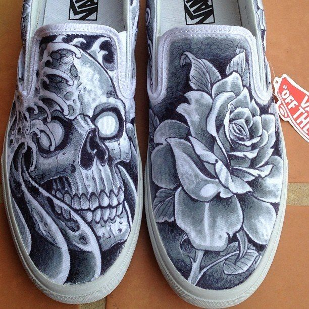Amazing tattooed vans shoes