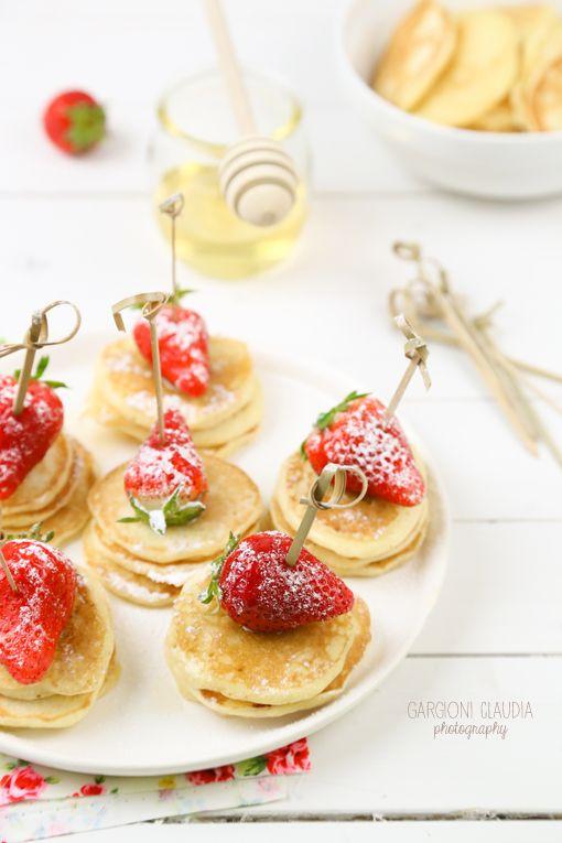 mini pancakes finger food   il Gatto Goloso