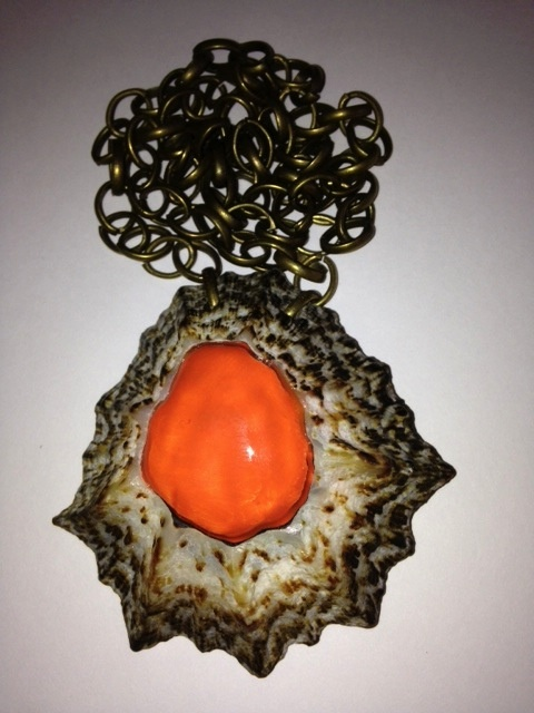 Beautiful pendant - hand made it comes in 1 ex only!