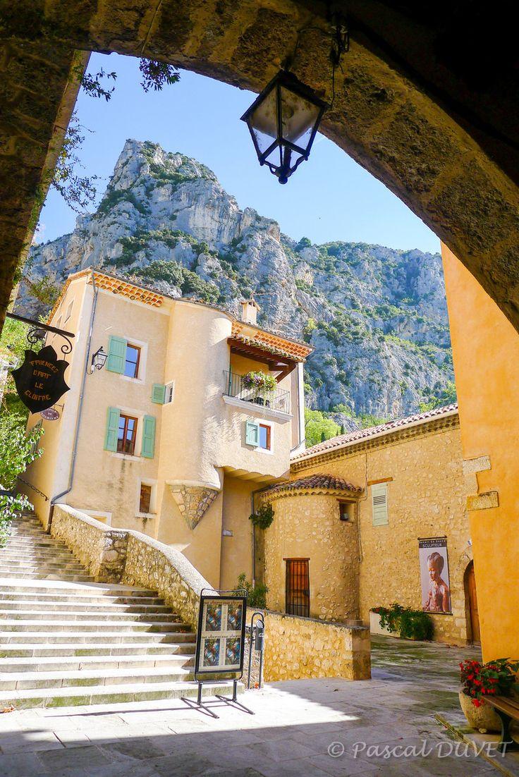 MOUB18 - Moustiers Sainte-Marie - Alpes de Haute Provence 04