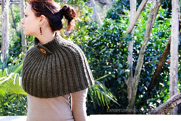 Mantella - Crochet Cape - free pattern
