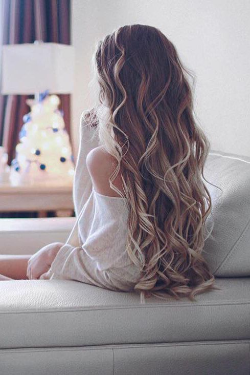 "Beautiful Effortless Curls on @alexcentomo who is wearing her 24"" Ash Blonde Luxy Hair Extensions. We love this dreamy photo <3 #LuxyHairExtensions or see http://designedforbeauty.co.uk/hairdressing/"