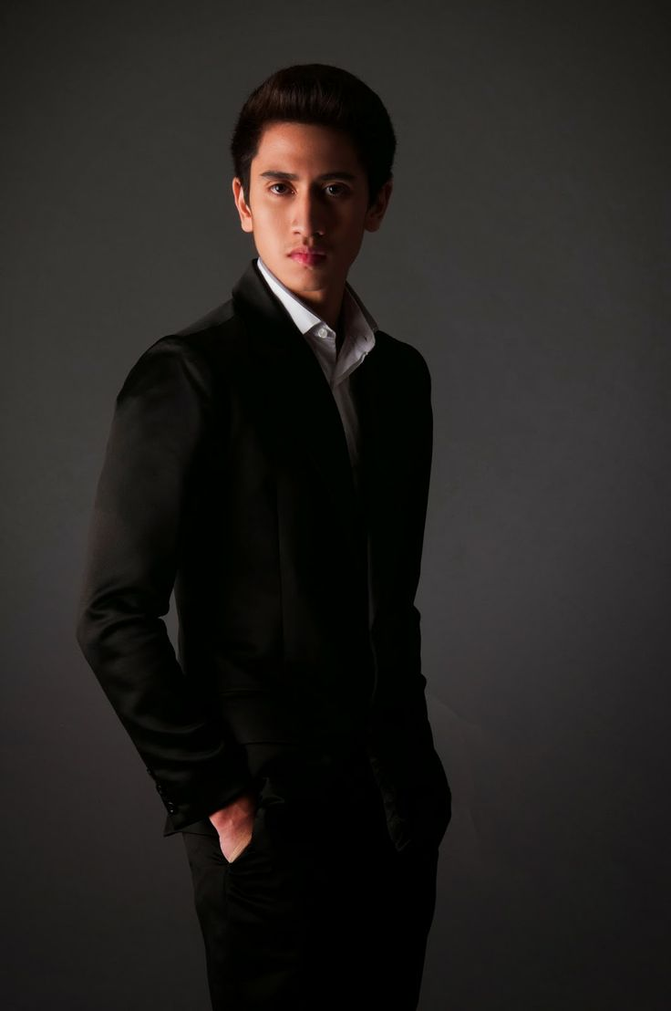 Verrell Bramasta - Cowok Keren anak dari Venna Melinda dan Ivan Fadillah yang keren dan ganteng, banyak disukai oleh para gadis remaja yang menjadi fansnya.