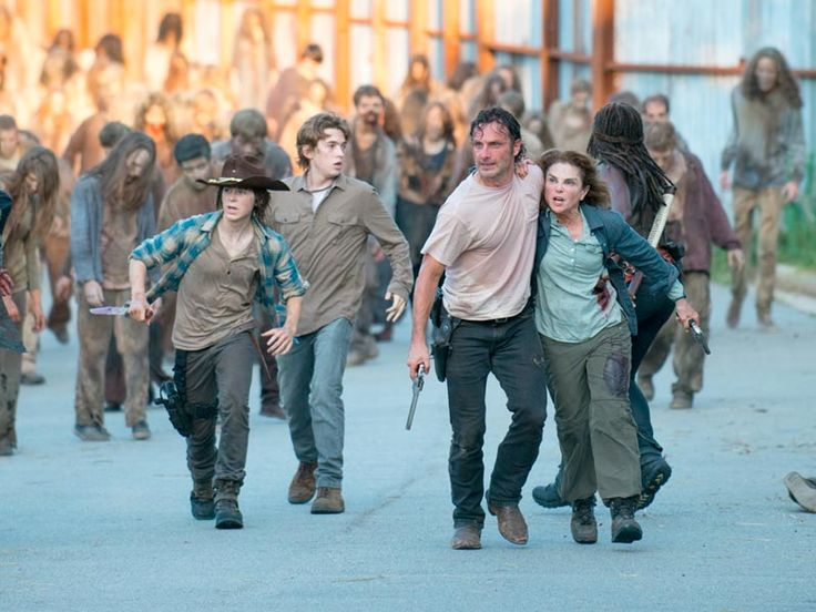 The Walking Dead Season 6 Episode 8 'Start to Finish' Rick, Carl and Deanna