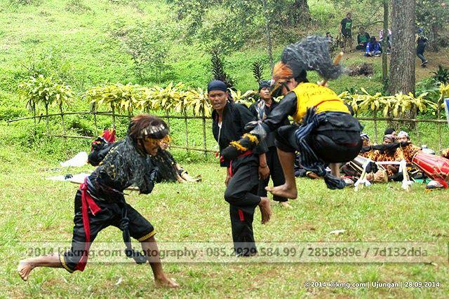 Ujungan Tradisi asli Gemelem Wetan - Susukan, Banjarnegara. Bukan Betawi