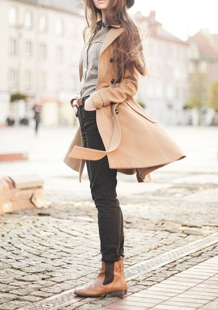 fashion // Parisienne chic // trench coat // neutrals // style
