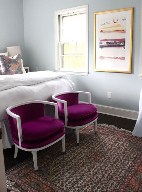 blue-gray and violet!Guest Bedrooms, Chairs Benches, Pink Chairs, Gray/Purpl Bedrooms, Master Bedrooms, Purple Chairs, Purple Bedrooms, Bedrooms Decor, Gray Bedrooms