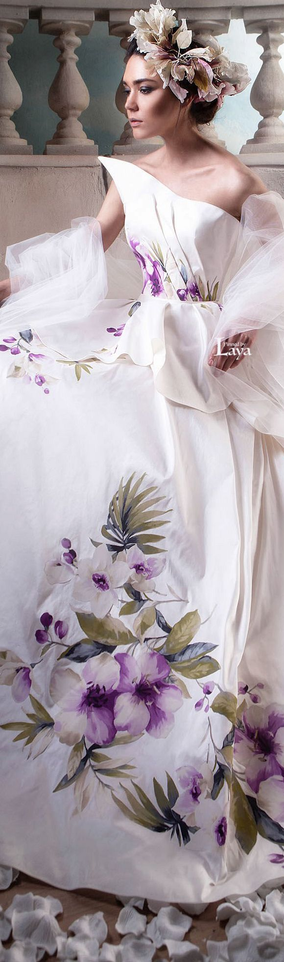 Lythwood loves how colour has added beauty to wedding dresses. ♥ #lythwood #weddings #bridalgown www.lythwoodweddings.co.za