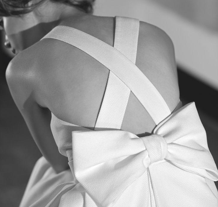 Back Cross Strap and Bow Wedding Dress - Nandi Devi, by Jesus Peiro - A…