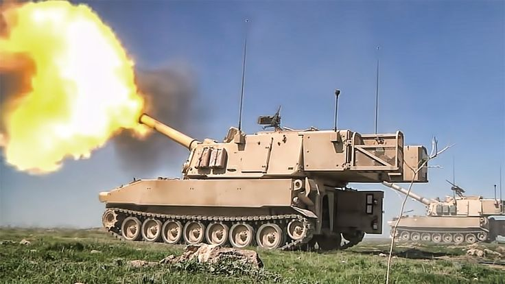 M109A6 Paladin Self Propelled Howitzer In Action