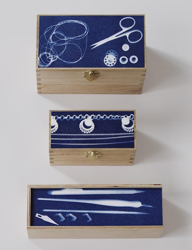 Photogram sewing box #Cyanotype #sunprint #blauwdruk