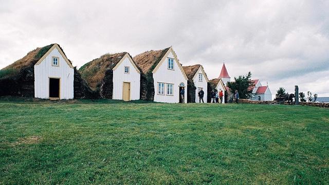 sod roof like the house on plum creek:  Megalith Structure, Teas Time, Dreams Houses, Travel Dreams, Teas Shops, Beautiful, Dreamy Houses, Favorite Teas, Grass Roof