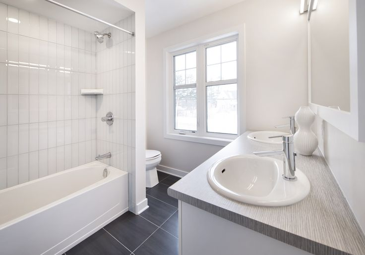 This is the main bath of the Bancroft model home at our Poole Creek community in Stittsville/Kanata.