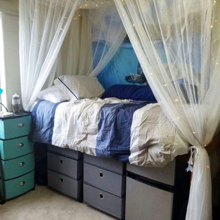 easy ways to make your dorm room seem bigger - brilliant DIY dorm room ideas and college hacks #dormroomideas #gettingorganized #goals