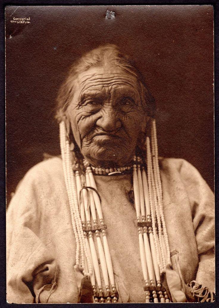 1906 Yellow Eye ~Hunkpapa Lakota Indian ~Sitting Bull Informant ~F. Fiske Photo