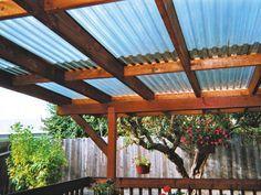 Conoce los tipos de policarbonato en techos para terrazas. En la construcción de techos para terrazas el policarbonato es un material sumamente recomendable. Sin embargo, los hay de distintos tipos. En el siguiente artículo explicaremos las diferencias de algunas lamina policarbonato a las que