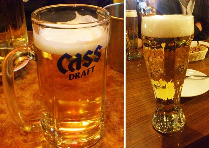 같은 맥주지만 잔(컵)과 장소가 달라지니 맛도 다르게 느껴지더라는.