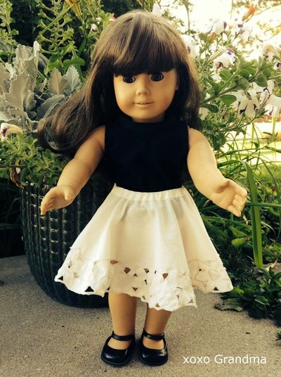 American Girl Doll clothes can be very expensive. It can be hard to help your girl keep her favorite doll stylish on a budget. Luckily for you, you know how to sew and can follow these how to make American Girl Doll clothes tutorials and make totally unique free doll clothes patterns on a budget!