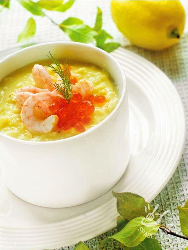 La Vellutata di topinambur e gamberetti esalta il gusto del tubero dal sapore di carciofo. Il topinambur è un buon alleato dei diabetici in cucina!