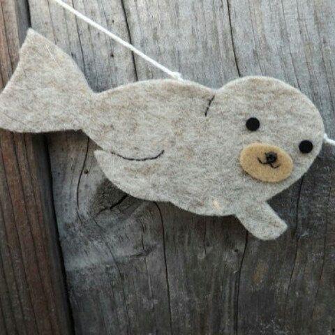 Love making this super cute seal and starfish garland