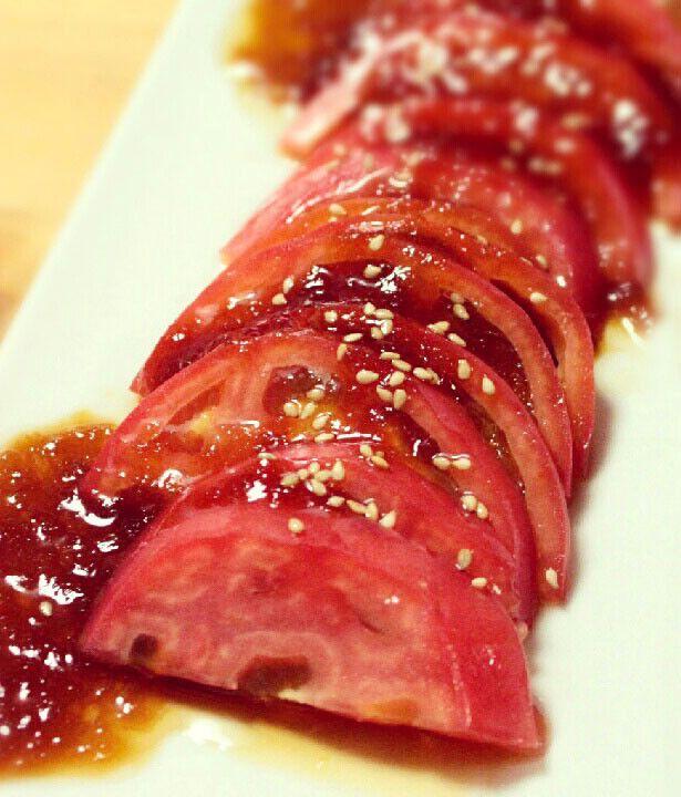 うちの トマトサラダ はこのたれで。  このタレは万能ですよ〜。オススメです! 揚げなすや、冷しゃぶにかけたり。 お酢多めで、揚げ物の南蛮だれにしても美味です。