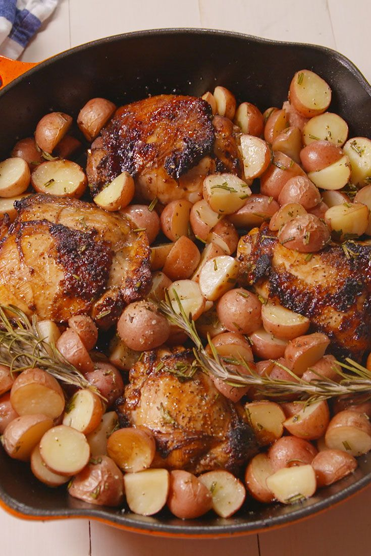 Balsamic Chicken with Potatoes | http://www.hercampus.com/school/emerson/10-dishes-every-chicken-lover-should-try