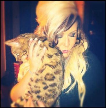 Chelsea from Teen Mom 2, and a bengal cat, I realllllly love Bengals!
