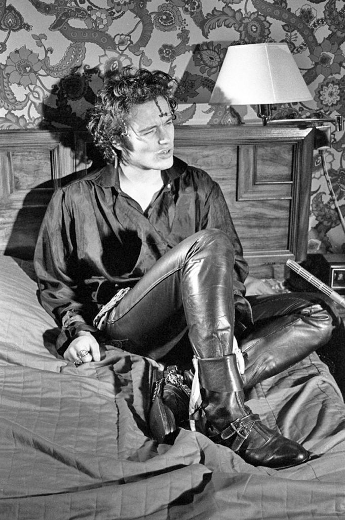 Adam Ant- No, not at all suggestive!