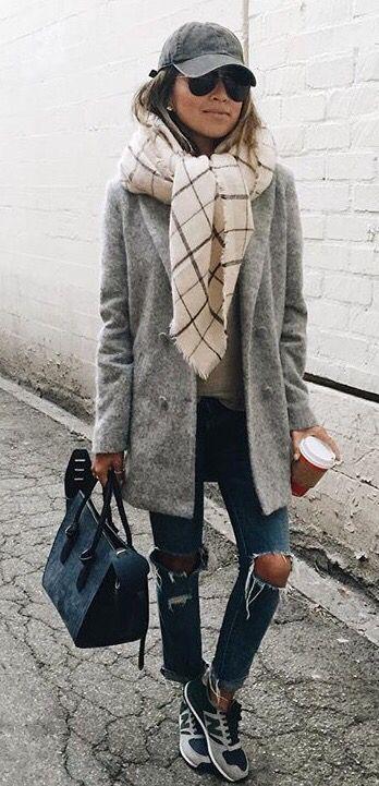 Herbst: kurzer mantel, grosser schal, cap!?