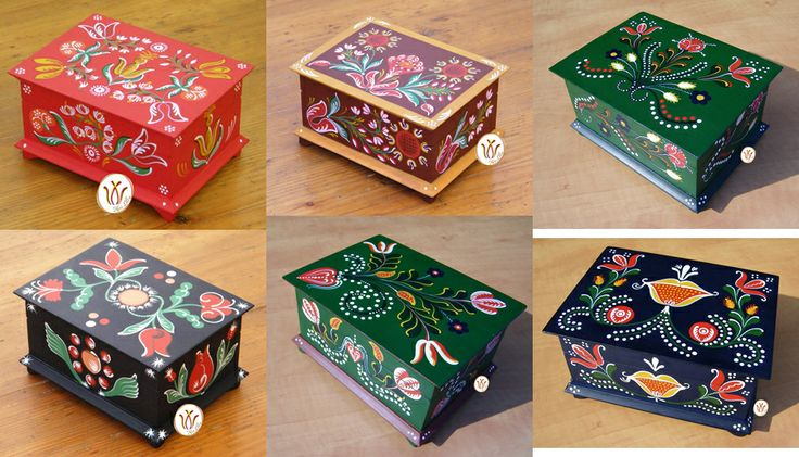 Wooden hand-painted jewellery boxes. Transylvanian pattern from the 18-19th century.