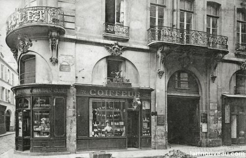 corner of the the Rue Saint-André-des-Arts and the Rue des Grands Augustin, c.1900