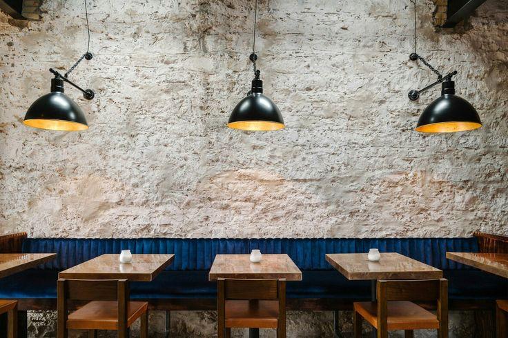 Native Hotel & Bar & Kitchen in Austin Architectural design: Un.Box Studio Interior design: Joel Mozersky Design Branding: Helms Workshop Photography : Chase Daniel