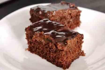 Hrnčekový koláč s kúskami čokolády