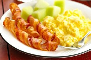 Fancy maple bacon spirals to dress up your breakfast plate.