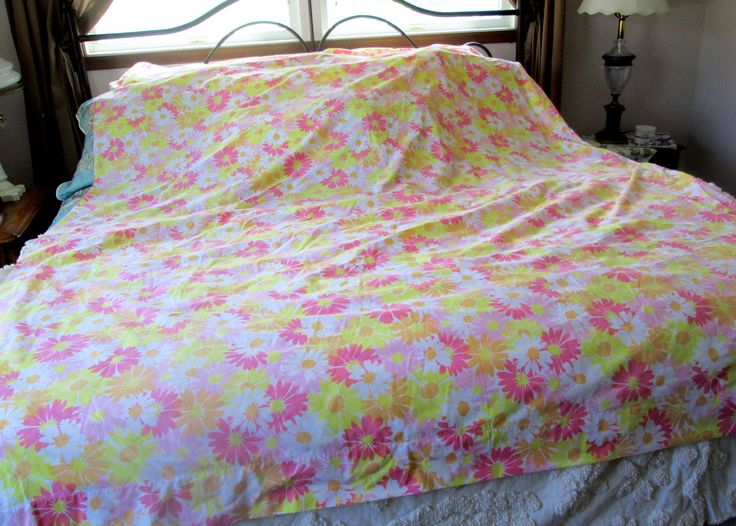 Vintage Super Easy Care 'Sun Daisy' sheets by Pequot